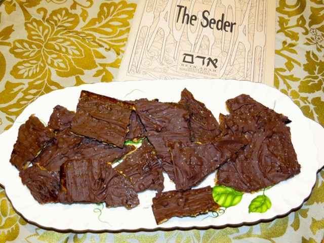 David Leibovitz's Chocolate-Covered Caramelized Matzoh Crunch ...